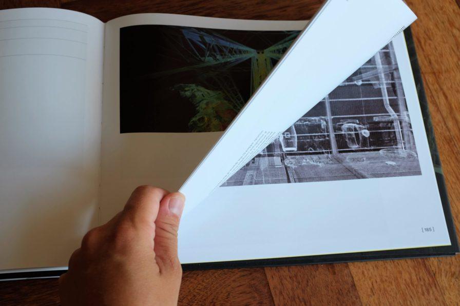 Blaettern-art-of-the-point-cloud-Buch-3D-Raumerfassung-Punktwolken