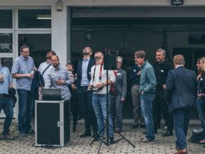 Live-Demo-Blicke-nach-oben-Mittelstand-4.0-Kompetenzzentrum-Darmstadt-IHK-Darmstadt-Rhein-Main-Neckar-bei-LOGXON-Digitalisierung-in-Hessen