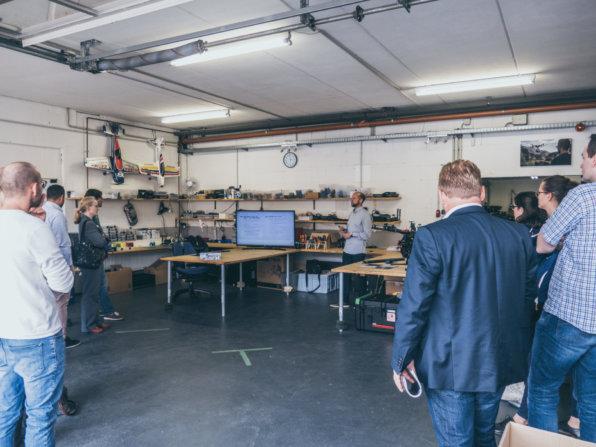Präsentation-Thomas-Hechler-UAV-Dienstleistungen-Mittelstand-4.0-Kompetenzzentrum-Darmstadt-IHK-Darmstadt-Rhein-Main-Neckar-bei-LOGXON-Digitalisierung-in-Hessen