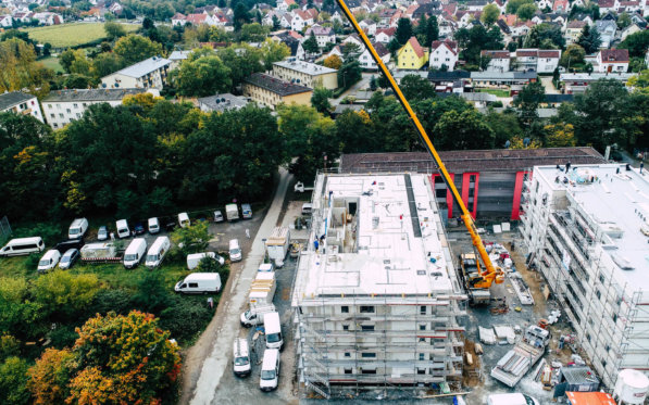 Bau-Kran-Darmstadt-Visuelle-Dokumentation-per-Drohne-Darmstadt-Dreidimensionale-Dokumentation