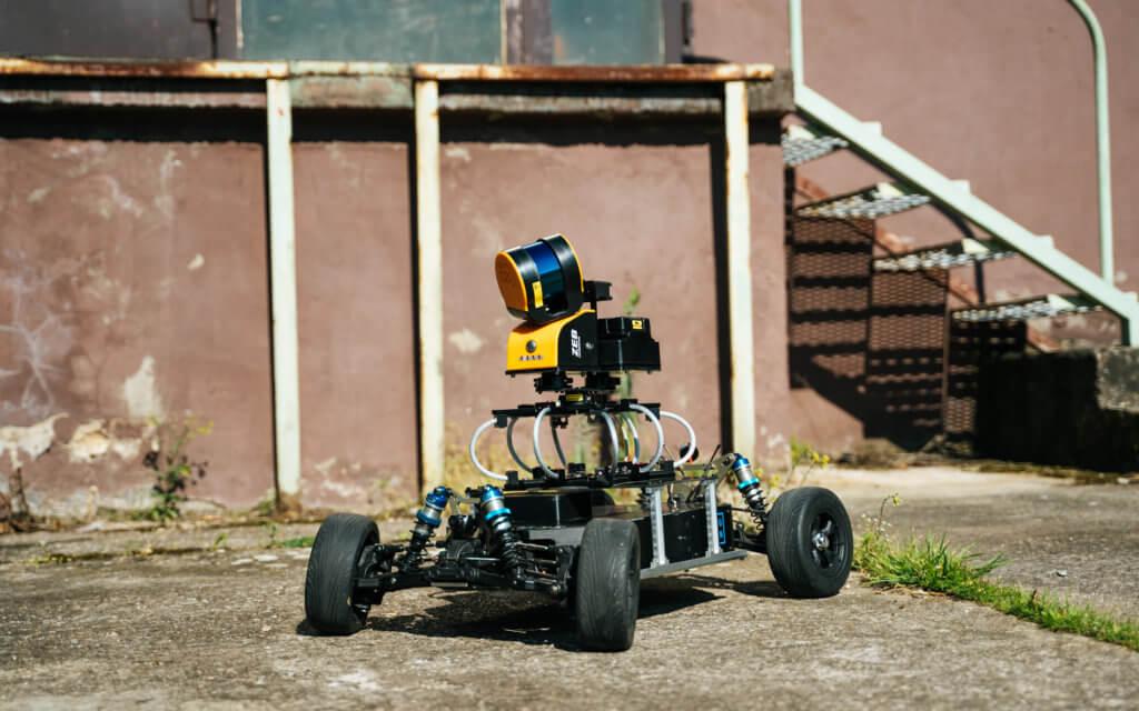 Mobile-Laserscanning-mit-Geoslam-ZEB-HORIZON-auf-LOGXON-Rover-RC-Car