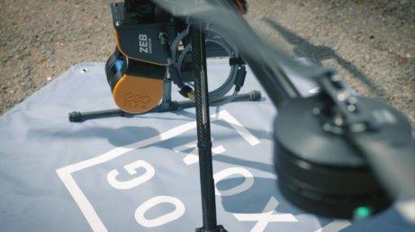 Closeup-GeoSLAM-Landematte-LOGXON-PORTER-Drohne-LOGXON-PORTER-GeoSLAM-ZEB-HORIZON-Scan-Service-Tennisanlage