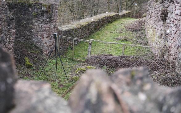 Faro-Focus-S-3D-Laserscanning-LiDAR-Scanning-terrestrische-3D-Scans-Burg-Burgruine-Denkmalvermessung-3D-Denkmal-Vermessung-3D-Vermessung-Burgen-Drohnenvermessung