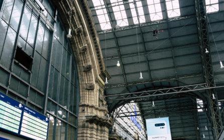 Hauptbahnhof-Frankfurt-Innen-Indoor-Photogrammetrie-Drohne-DB-Station-Service-3D-Fassadenaufnahme-per-Drohne-zur-Vermessung-CAD-Modellierung-Deutsche-Bahn