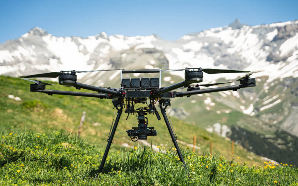 Berg-Gebierge-Vermessung-Drohne-Photogrammetrie-Drohne-UAV-Hexacopter-RPAS-Multicopter-LOGXON-PORTER-Drohnenaufnahmen--digitales-Gelaendemodell-Milchseilbahn-Fidaz-Flims-Schweiz