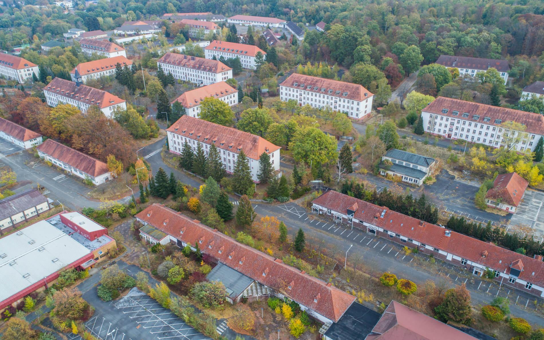 Luftbild-Blick-nach-Innenstadt-Darmstadt-Jefferson-Siedlung-Drohnenbefliegung-visuelle-Dokumentation-DGM-Erstellung-Cambrai-Fritsch-Kaserne-02