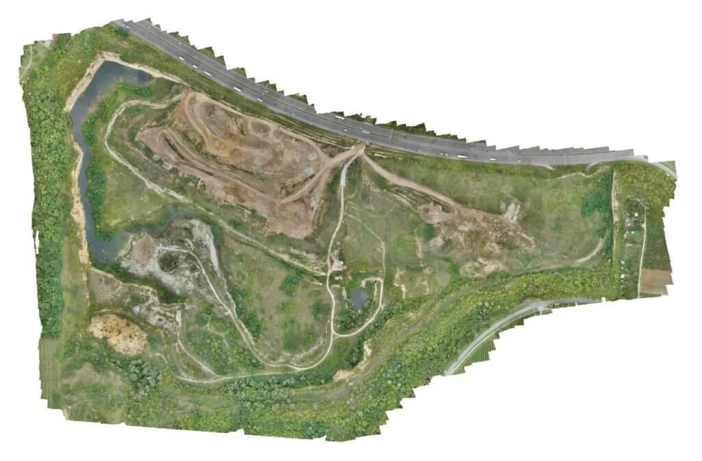 Georeferenziertes-Orthophoto-Ergebnis-DGM-Erstellung-eines-Steinbruchs-aus-Drohnendaten