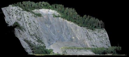 Schnitt-Punktwolke-Felsberg-Deponie-Schweiz-Graubuenden-Ergebnis-Photogrammetrische-Gelaendeaufnahme-Drohnengestuetzte-Deponie-Vermessung