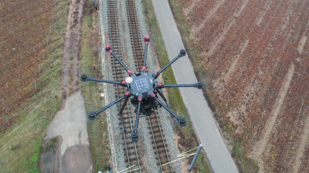 Topshot-Photogrammetrie-Drohne-LOGXON-DJI-S1000-plus-Sony-rx1-mk2-Trassenvermessung-per-Drohne-3D-Bestandsaufnahme-Bahntstrecke-Rheinland-Pfalz