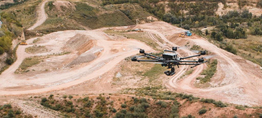 Porter-Drohne-UAV-Multicopter-Hexacopter-Vermessung-Steinbruch-Renaturierung-Volumenberechnung-Massenbestimmung-Deponie-digitales-gelaendemodell-dgm-fuer-soll-ist-vergleich