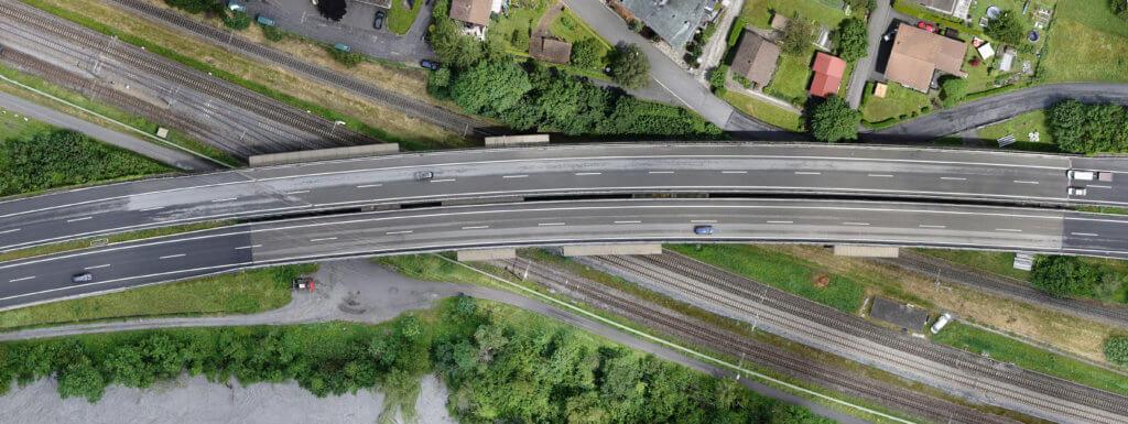 Verzerrungsfreies-Luftbild-Autobahn-Abriss-DOP-True-Orthofoto-aus-Drohnenbildern-verzerrungsfreies-Luftbild-Multi-Stereo-photogrammetrie-ohne-Verkippung-Umklappeffekte-Kippung