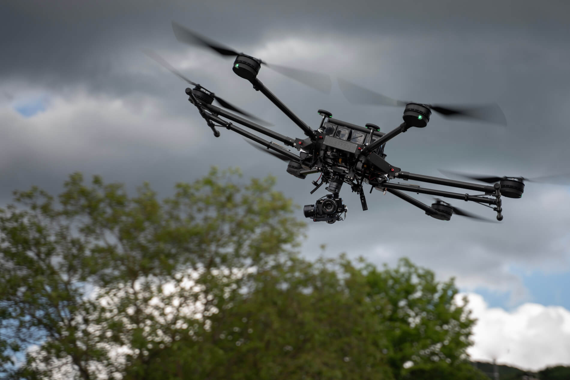 Photogrammetrie-Service-Drohne-3D-Scanning-Logxon-photogrammetrie-lidar-scanner-sensor-gimbal-sony-kamera-porter-drohne-uav-performance-schräglage-aircraft